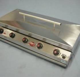 F10049 – CHEF BI 5B Gas Braai Sline with Lid